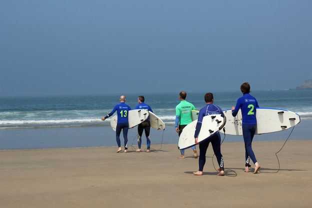 Finding surf school in Portugal