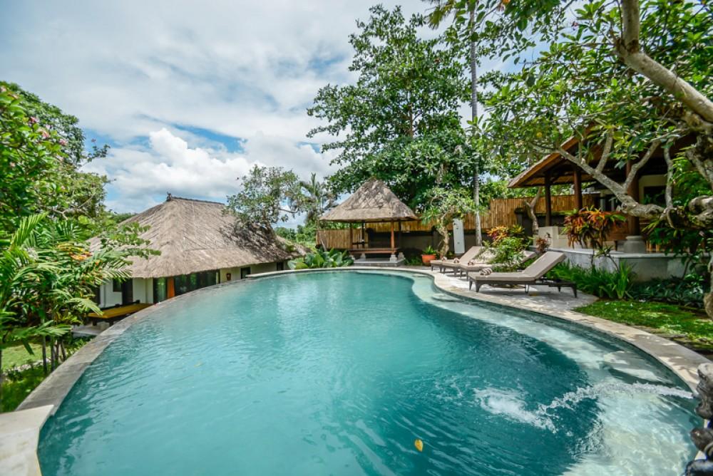 Private villa bali with a comfort private pool