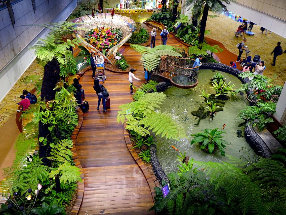 singapore airport amenities