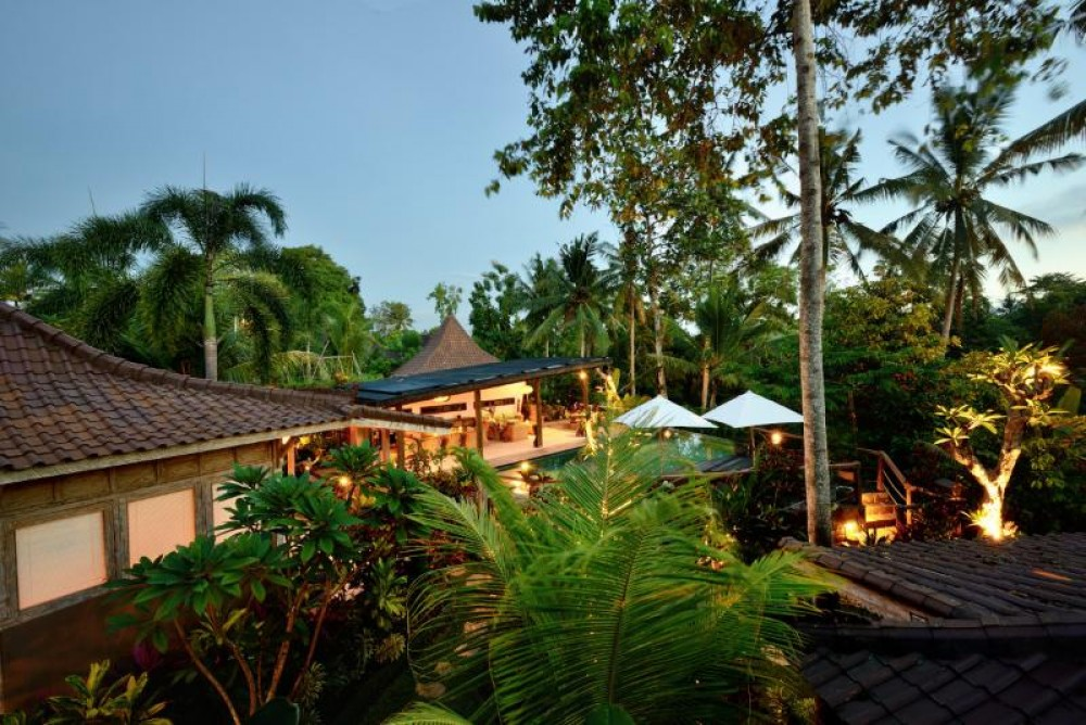Outdoor Lounge to Soak In the Mesmerizing Villa Ubud View